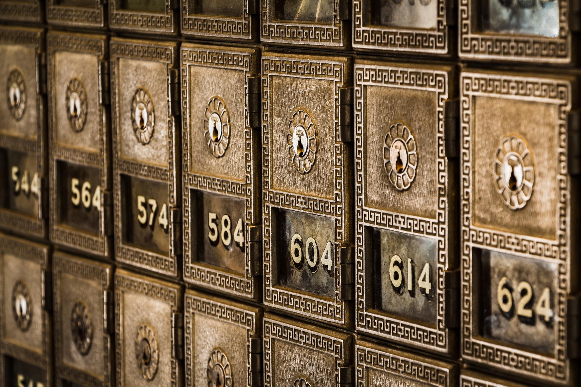 借金,家族,借入,バレない,バレたくない,ばれない,ばれたくない,身内,家庭,借金,ローン,貸金庫,金庫,絶対,絶対バレたくない,書類,申込書,キャッシュカード,通帳